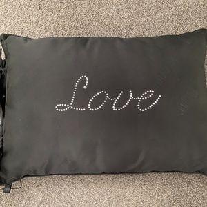 Love Pillow  - From Habitania